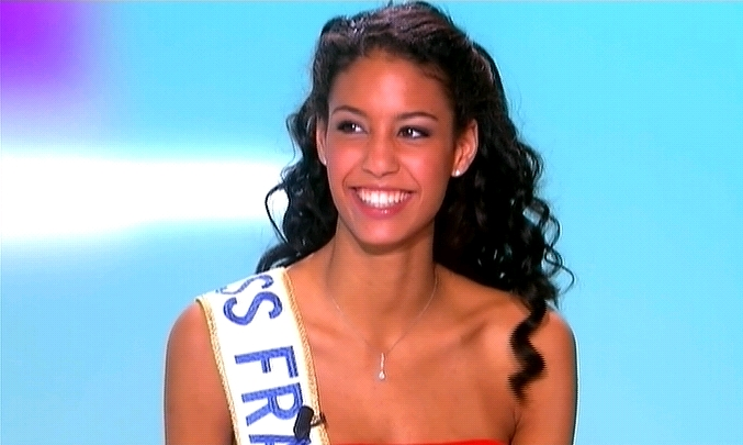 Actu   Chloé Mortaud reste Miss France 2009 !